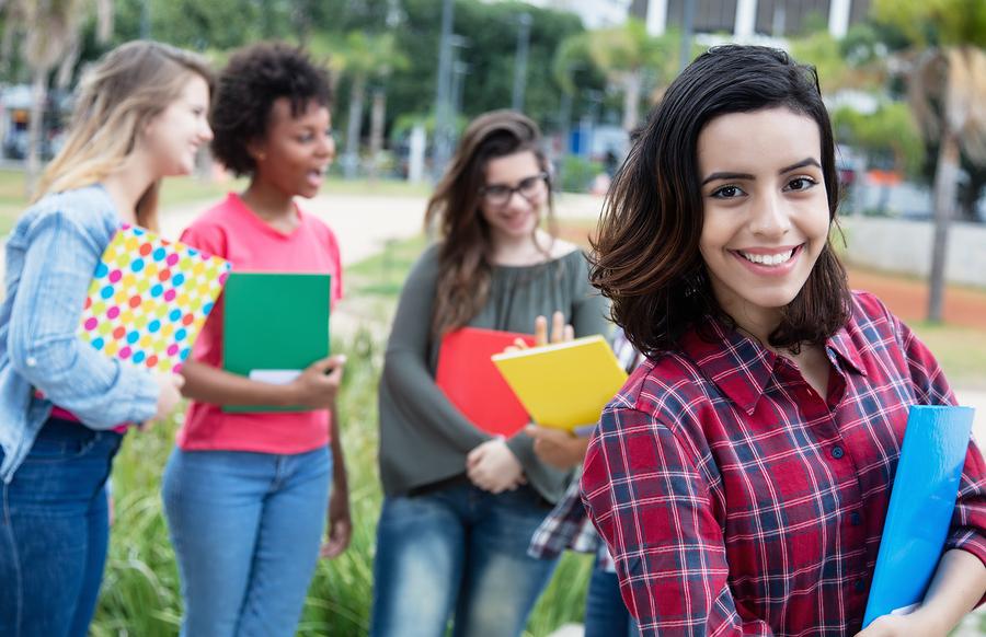 En la universidad debemos formar líderes con un fuerte compromiso social que asuman el empoderamiento de las mujeres como una parte integral de la sostenibilidad corporativa. - Foto: Bigstock