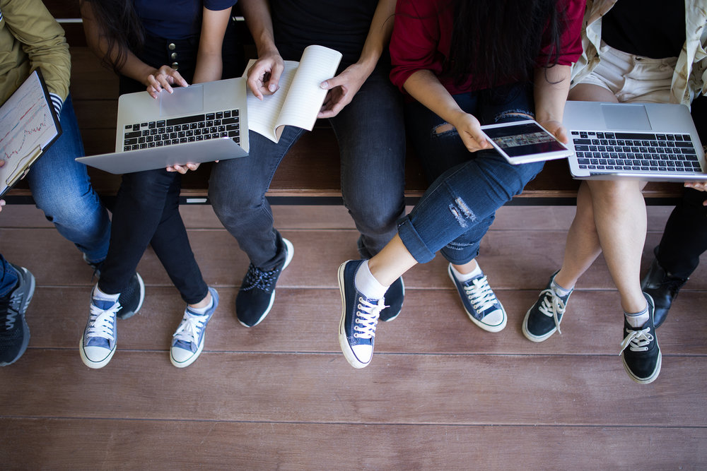 Vivimos tiempos en que los jóvenes deberán tener la capacidad de renovarse constantemente de ser y capaces de tomar las riendas de su aprendizaje. - Foto: Bigstock