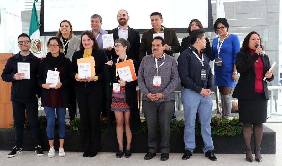 """La Red de Innovación Educativa 360 lanzó su primer producto colaborativo """"Perspectivas de la innovación educativa en universidades de México: Experiencias y Reflexiones de la RIE 360"""" en el CIIE 2018. - Foto: FutureSmart"""