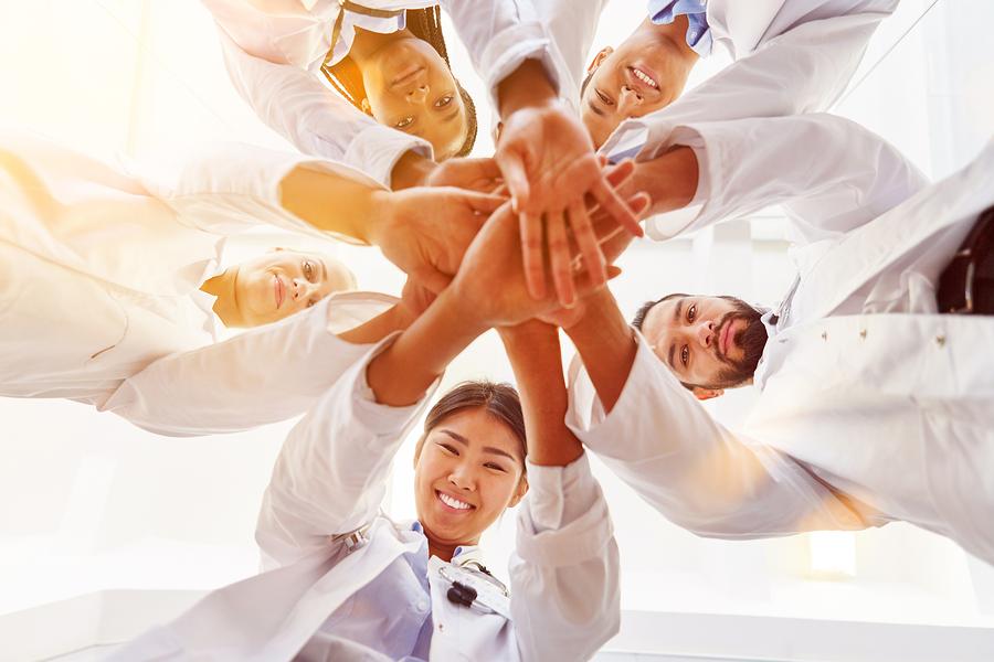 Estas son algunas actividades para desarrollar la creatividad y el pensamiento crítico con flipped classroom en alumnos de biomedicina. -