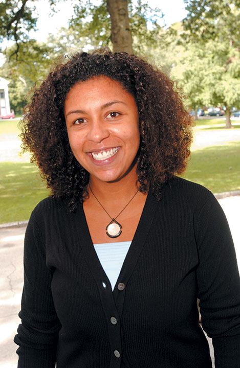 "<div class=""ch"">Erika Prahl, Director of Financial Aid, Assistant Director of Admission</div>"