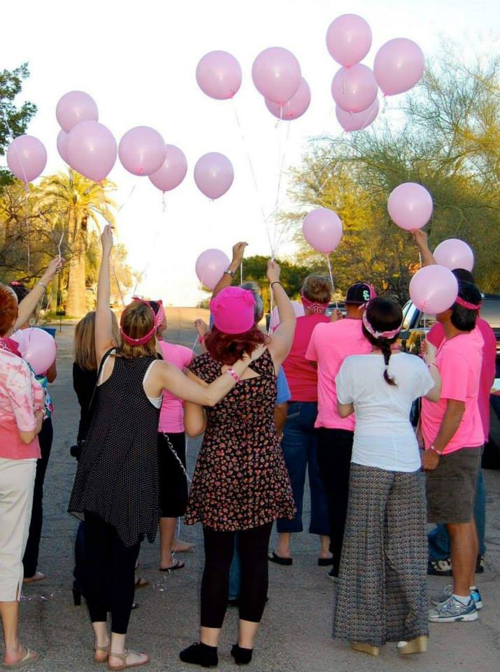 Releasing balloons at the end of the party <3