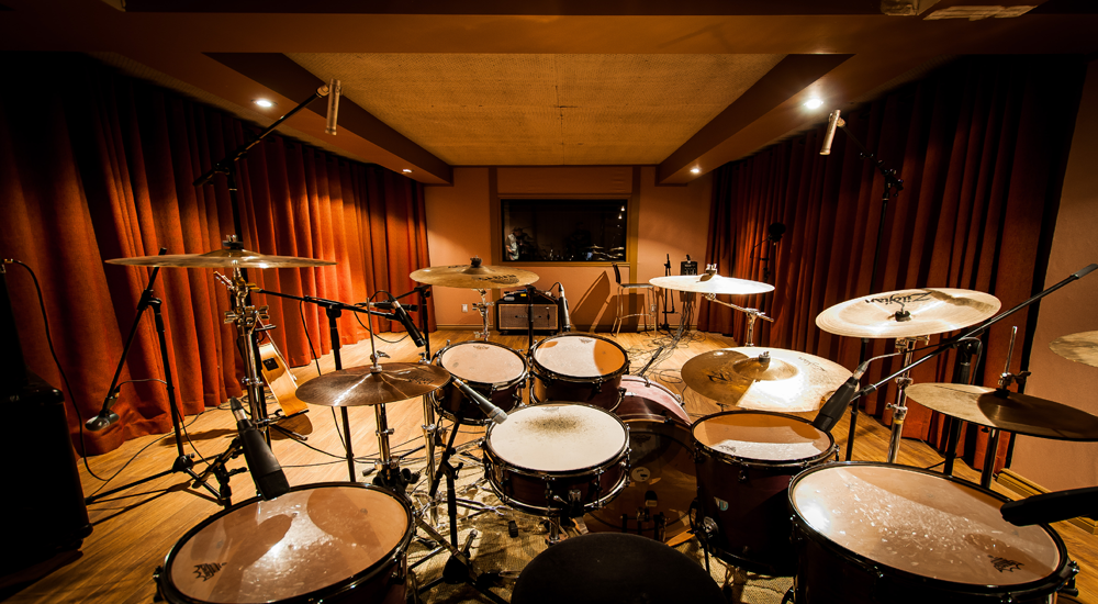 Our sound engineers will get you great live drum tracks, with expert microphone placement being the key.