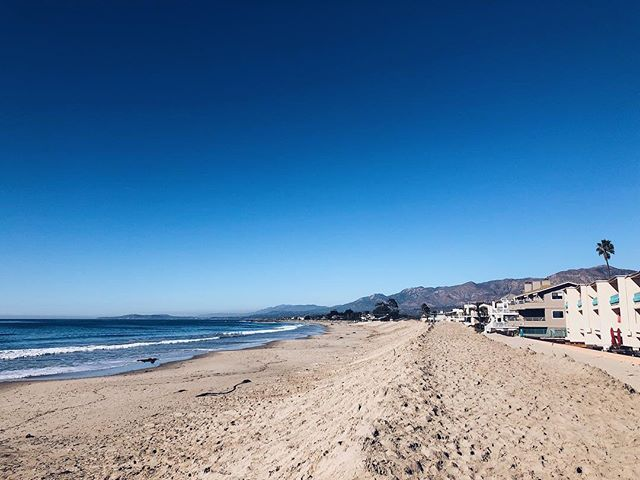 Santa Barbara beach 46 of 49: Carpinteria City Beach! . . . #sbbeaches2018 #santabarbara #santabarbaracounty #californiacoast #californiaholics #california_igers #californiacaptures #explorecalifornia #naturalcalifornia #unlimitedcalifornia #visitcalifornia #wildcalifornia #exploringnature #surroundedbynature #lostinnature #natureenthusiast #getlostinnature #exploreoutdoors #natgeocreative #yourshot #igersnature #naturelover #naturehub #discoverearth #naturegirl #carpinteria