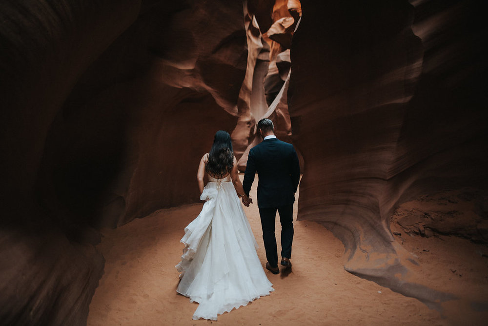 Antelope Canyon Elopement4.jpg