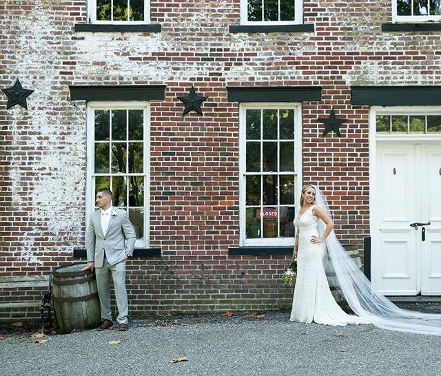 #photographybusiness #business #weddingphotography #weddingphotographer #photo #engagement #portrait #family #weddingidea #exposure #composition #gorgeous #beautiful #awesome