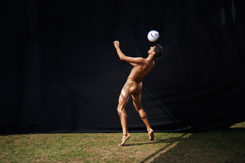06_finlay_mackay_omar_gonzalez_espn_body_issue_2014_low-res_web.jpg
