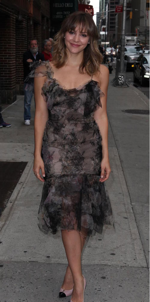 katharine-mcphee-late-show-with-david-letterman_4365693.jpg