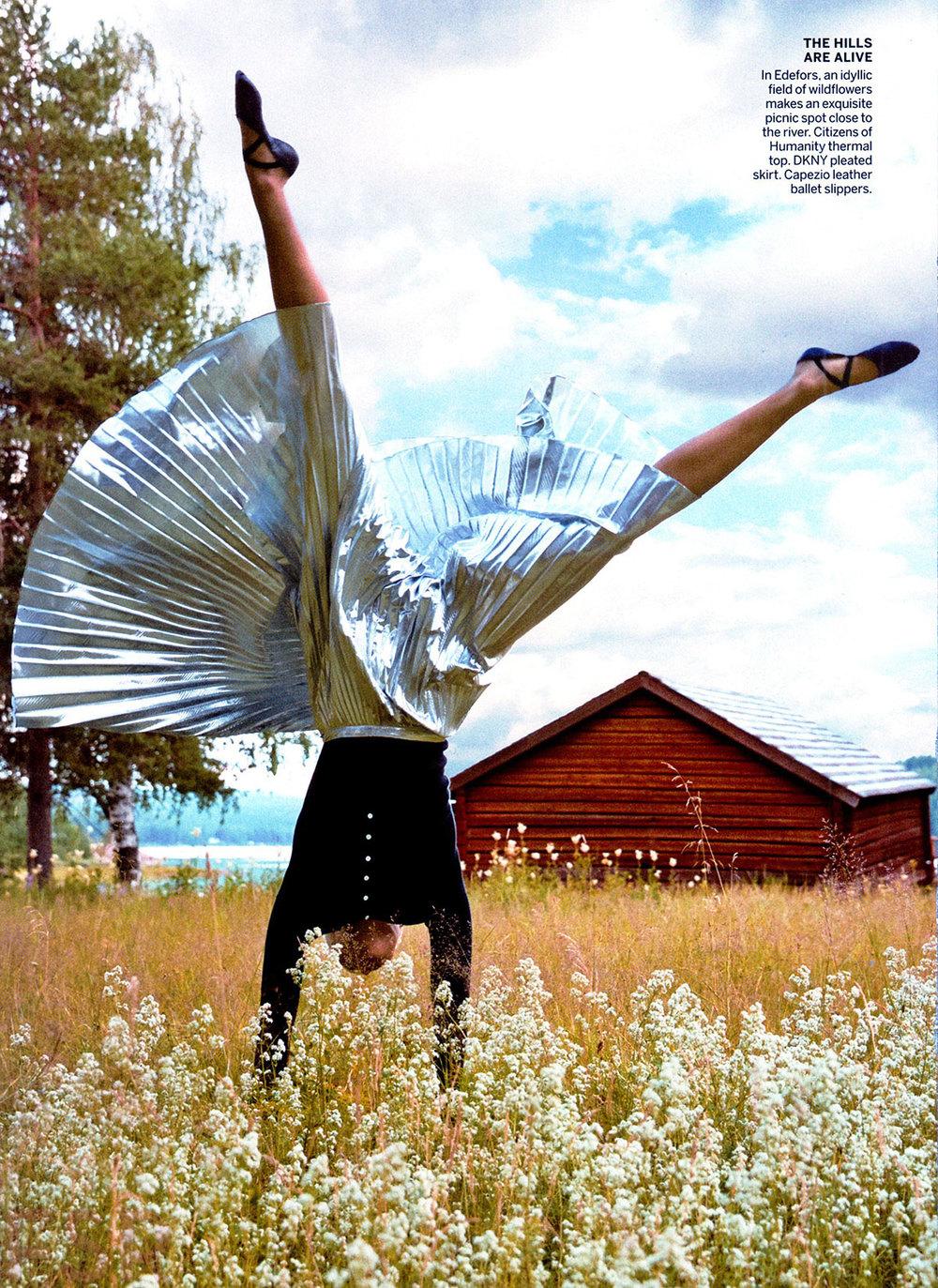 KARLIE-KLOSS-in-Vogue-Magazine-December-2014-Issue-4[1].jpg