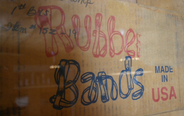 Sweet custom-drawn type found on an old box.