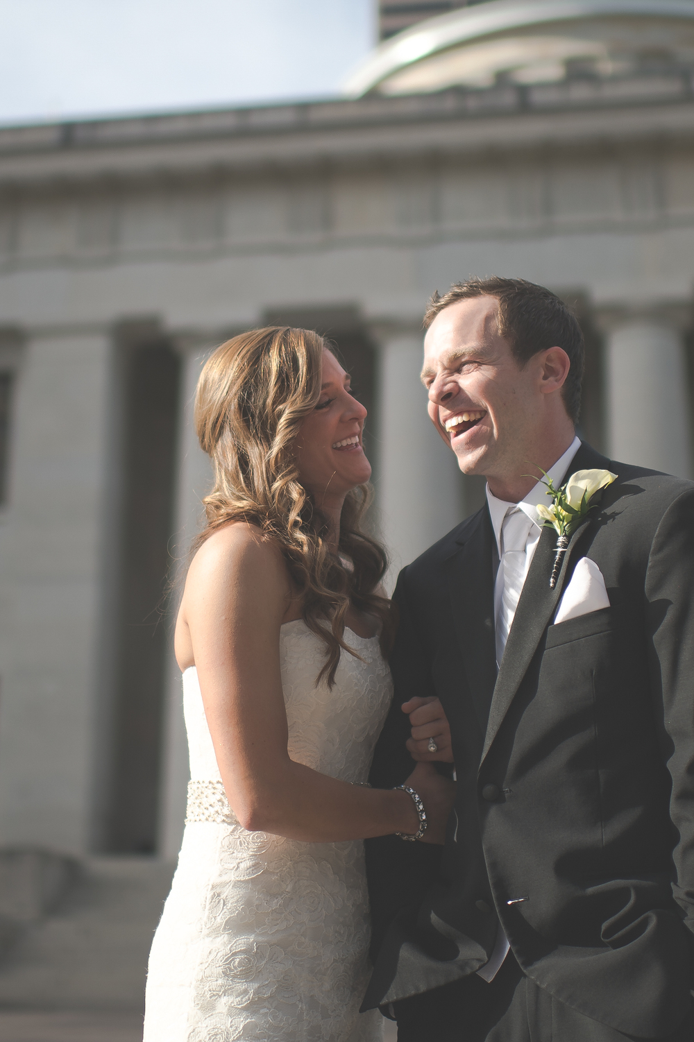 Bride and groom at the Ohio Statehouse