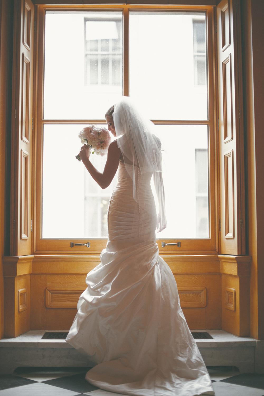 Wedding photography at The Ohio Statehouse