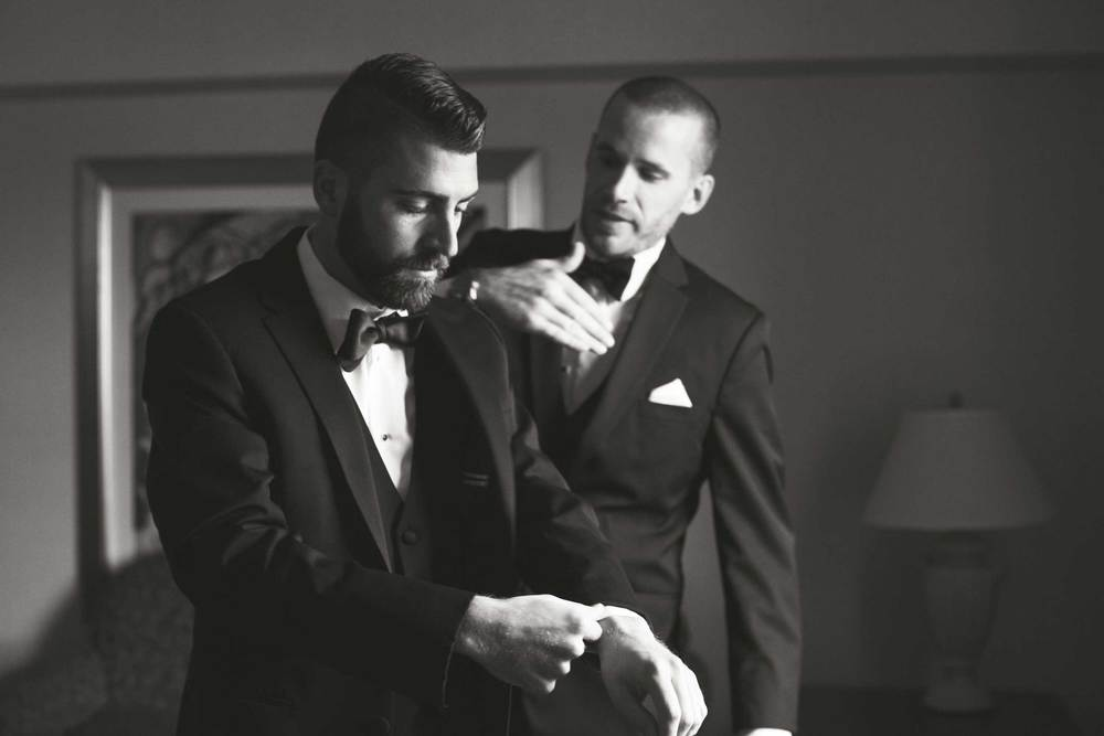 Groom getting dressed for a Youngstown, OH wedding