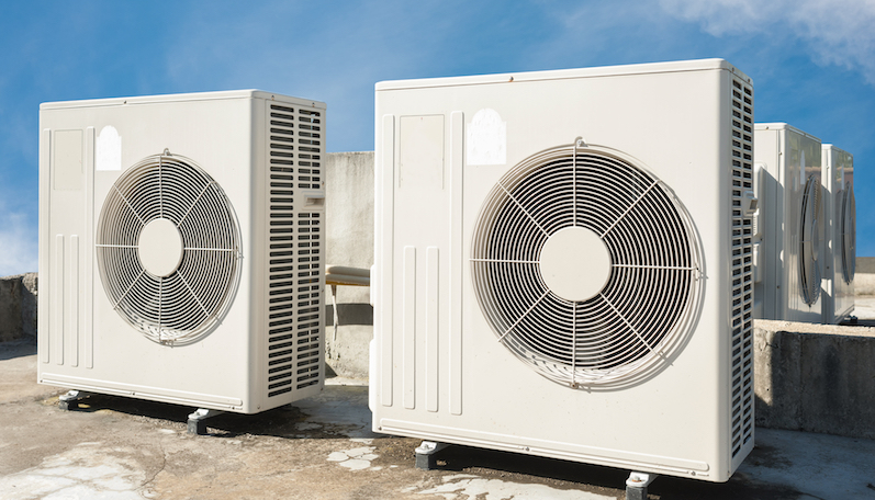 Commercial hvac on roof with several medium sized untis.jpg