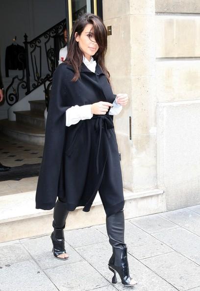Kim+Kardashian+Kim+Kardashian+Shops+Paris+2YBykCDM2cgl.jpg