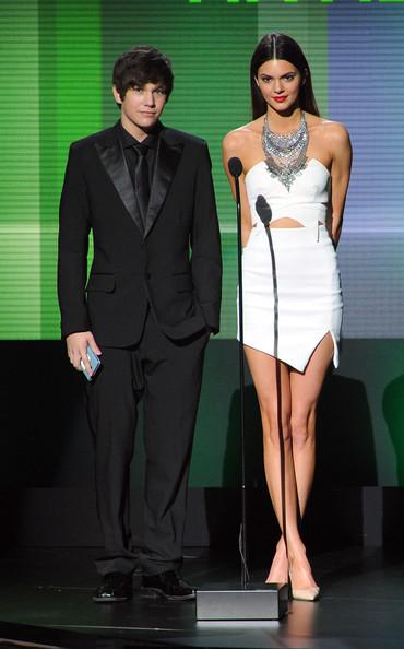 Kendall+Jenner+American+Music+Awards+Show+WIqinGjnnphl.jpg