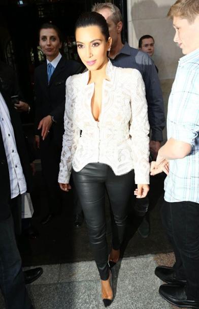 kim-kardashian-street-style-monica-rose_005.jpg