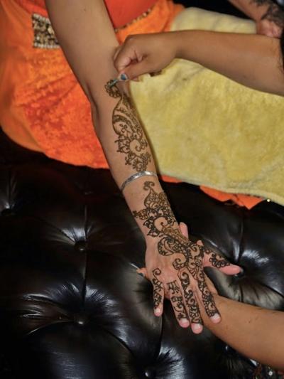 Custom Body Art With Mehndi By Soma Neighborhood Flea