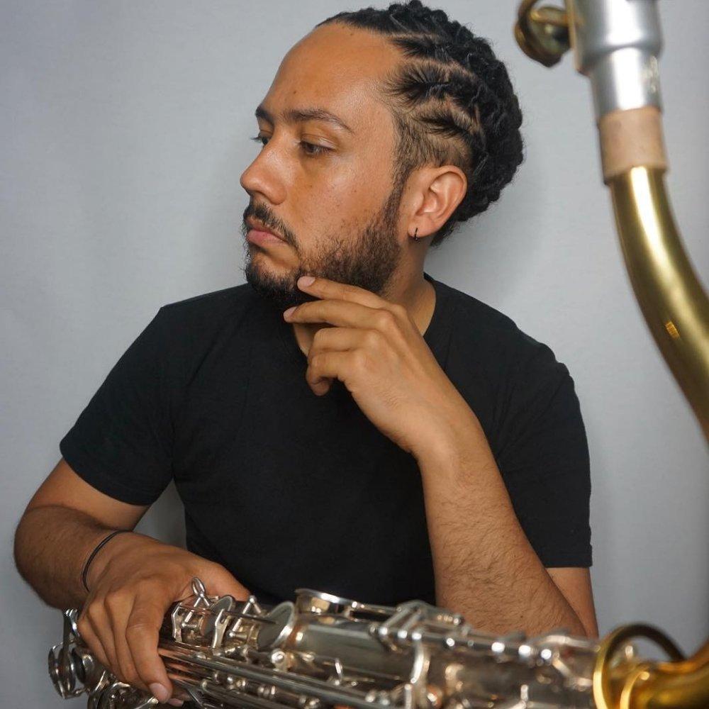MARIO CASTRO // tenor sax -