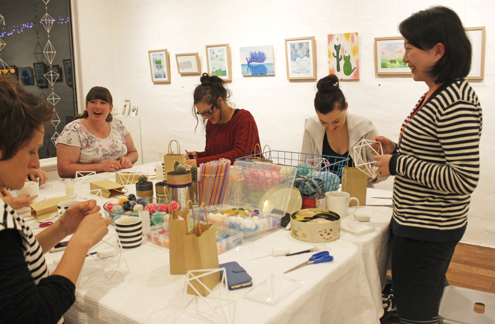 DIY Diamond Garland Workshop with Jacqueline Chan of Whimsy Milieu, The Corner Store Gallery, Orange NSW, craft party, photograph by Madeline Young