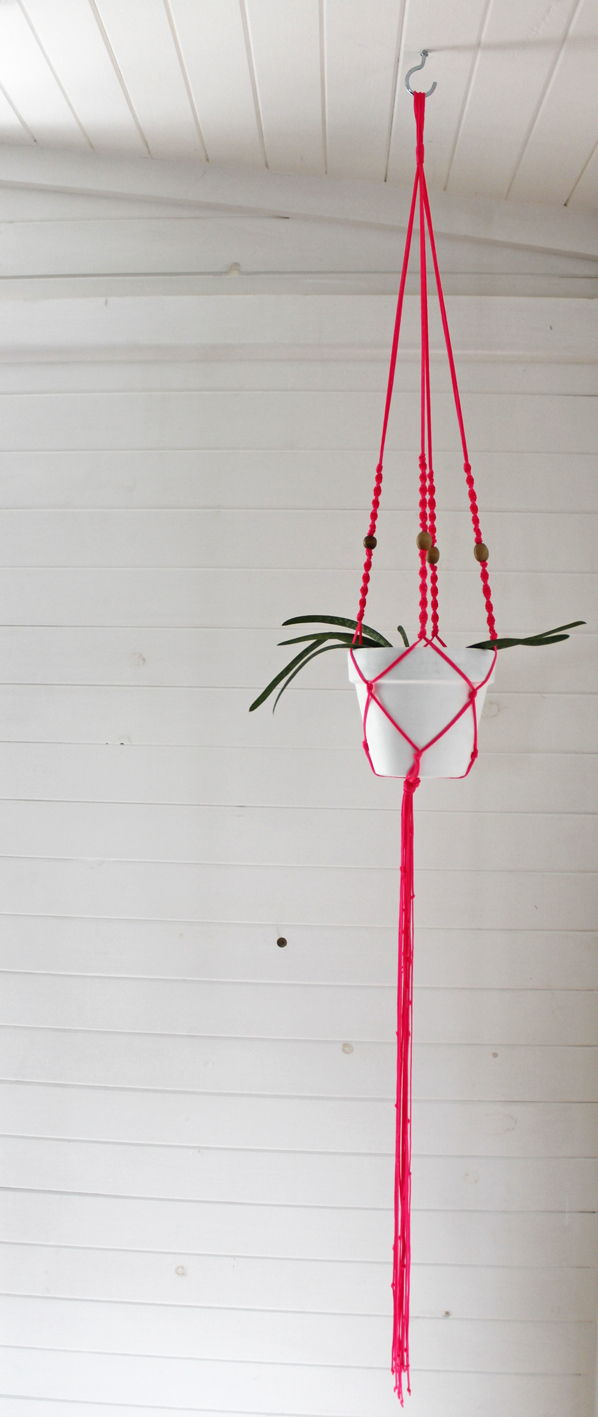 macrame plant hanger workshop, The Corner Store Gallery, Orange NSW