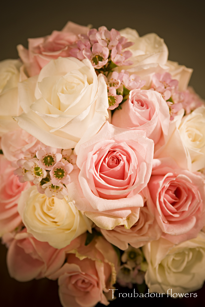 Blend of Pinks and White roses