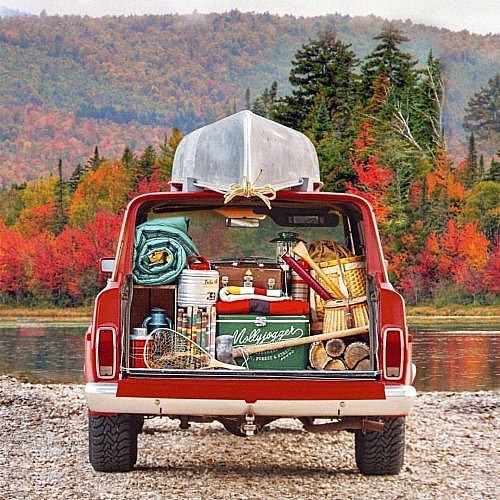 Dree-ee-ee-ee-eeeam, dream, dream dream. 🙌🏽 Photo cred to some lucky schmuck, who needs to learn how to pack lighter! #LNT ;) . . . #autumn #dream #jeep #wagoneer #campvibes #camp #wander #explore #fallcolors #fallweather #fall #mood #inspiration #gooutside #nature #backroads #canoe #outdoors #style #gear