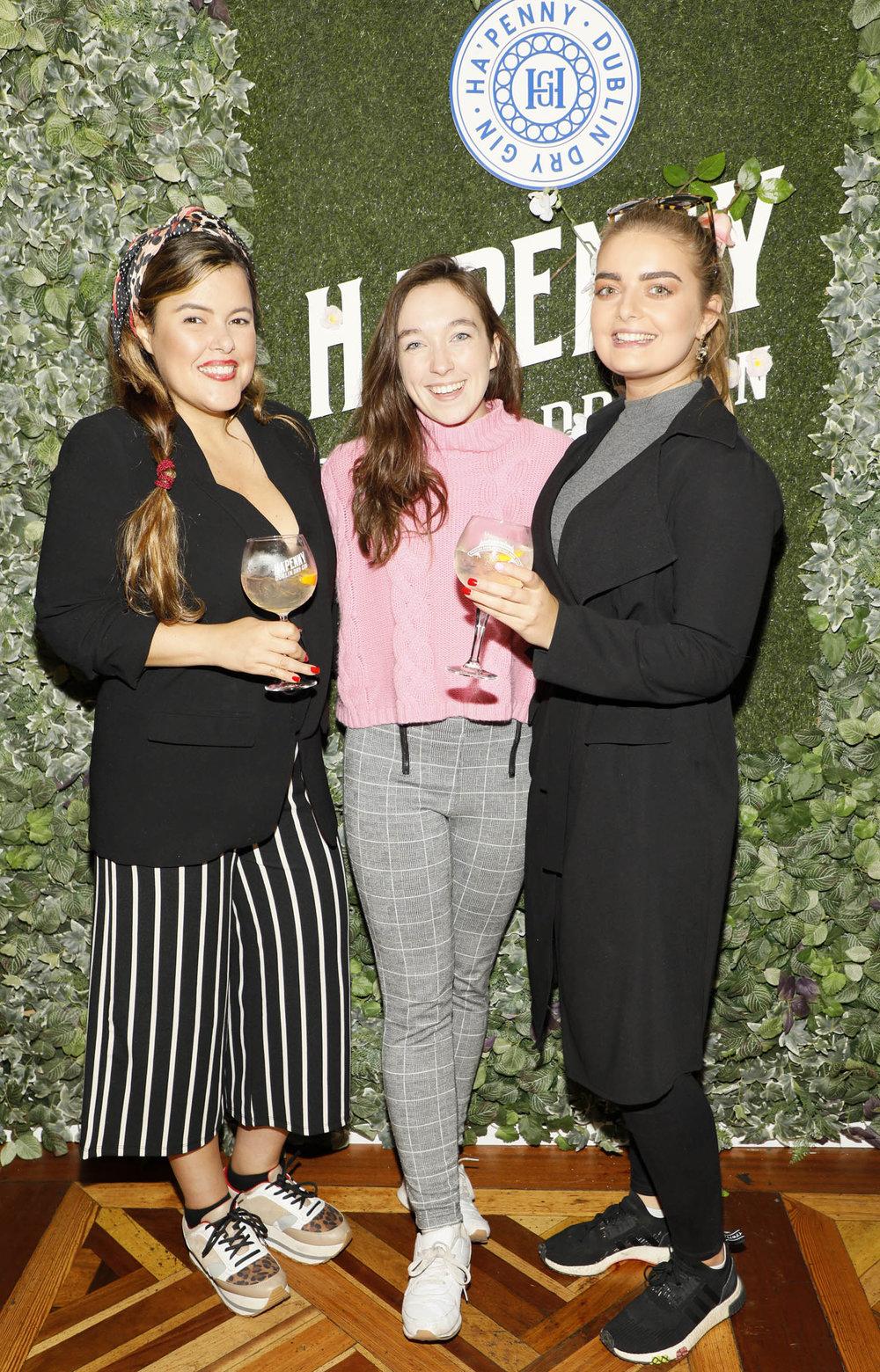 Sofia Delgado, Aine Leech and Aoife Nolan at the launch of the Ha'penny Spirits range.jpg