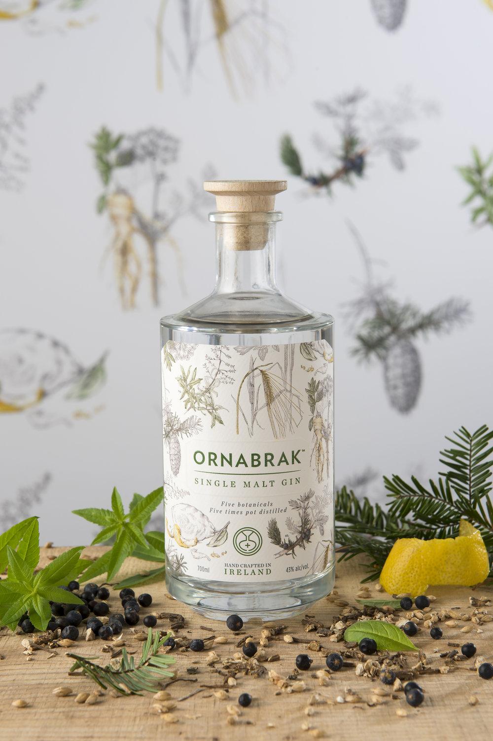 Ornabrak_Single_Malt_Gin_botanical_backdrop_and_fresh_botanicals.jpg