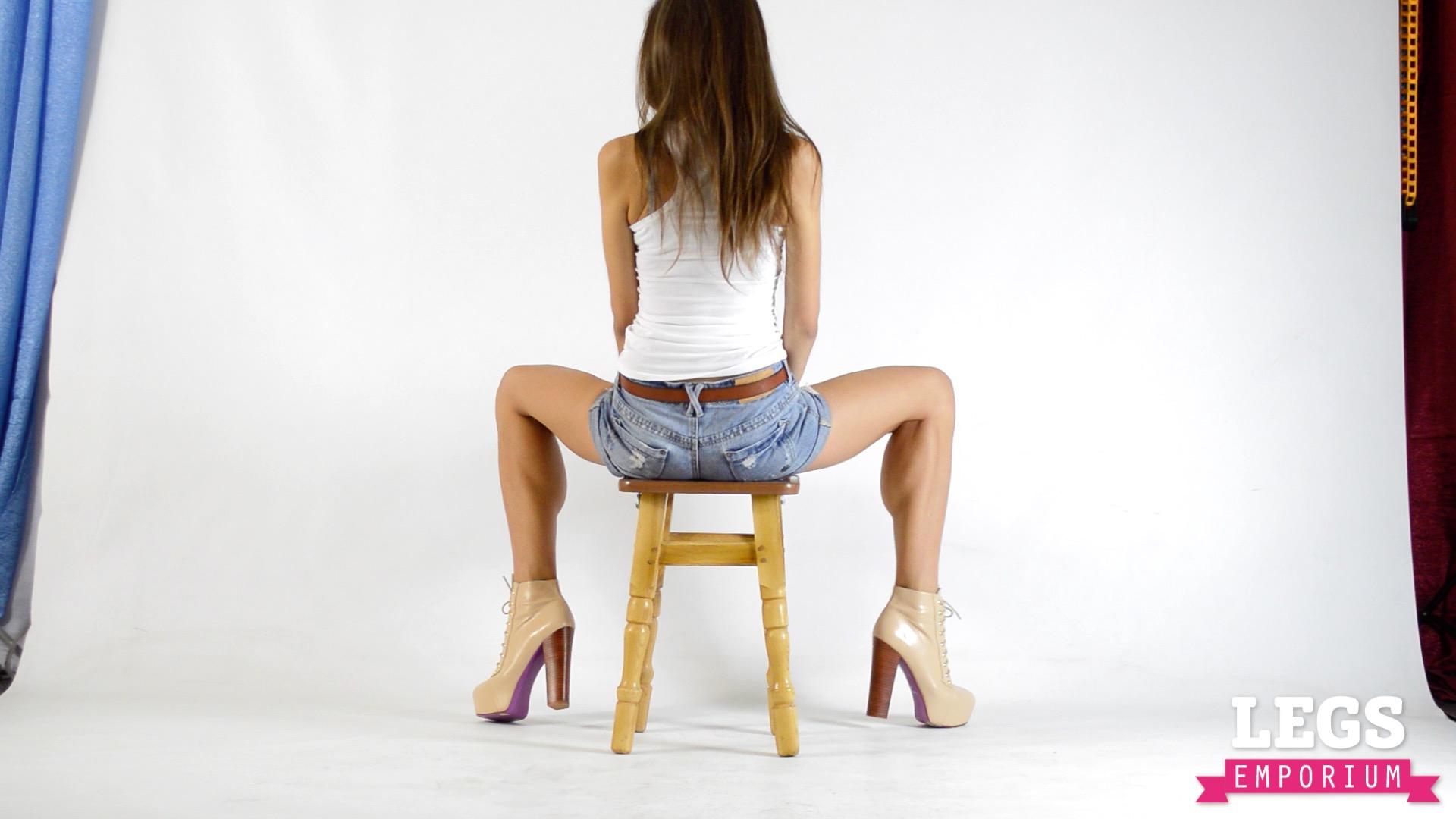 female sexy calves