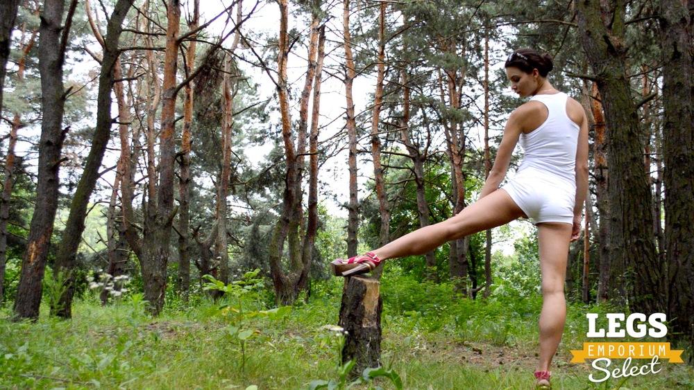 Elena - Leggy Forest Goddes 1 1.jpg
