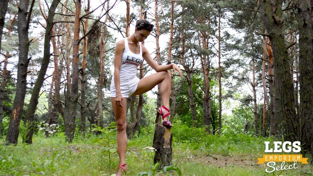 Elena - Leggy Forest Goddes 1 3.jpg