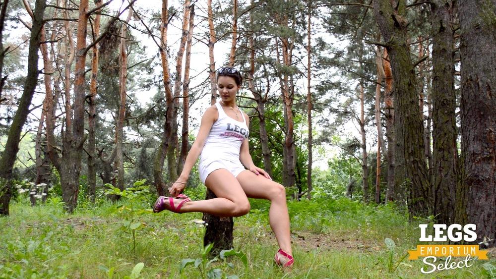Elena - Leggy Forest Goddes 1 4.jpg
