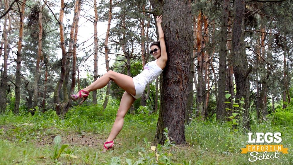 Elena - Leggy Forest Goddes 2 3.jpg