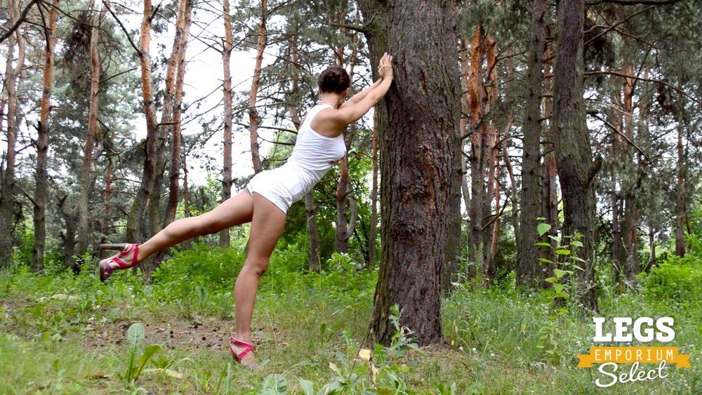 Elena - Leggy Forest Goddes 2 2.jpg