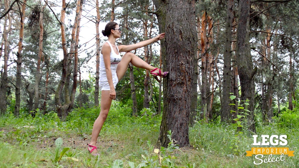 Elena - Leggy Forest Goddes 2 4.jpg
