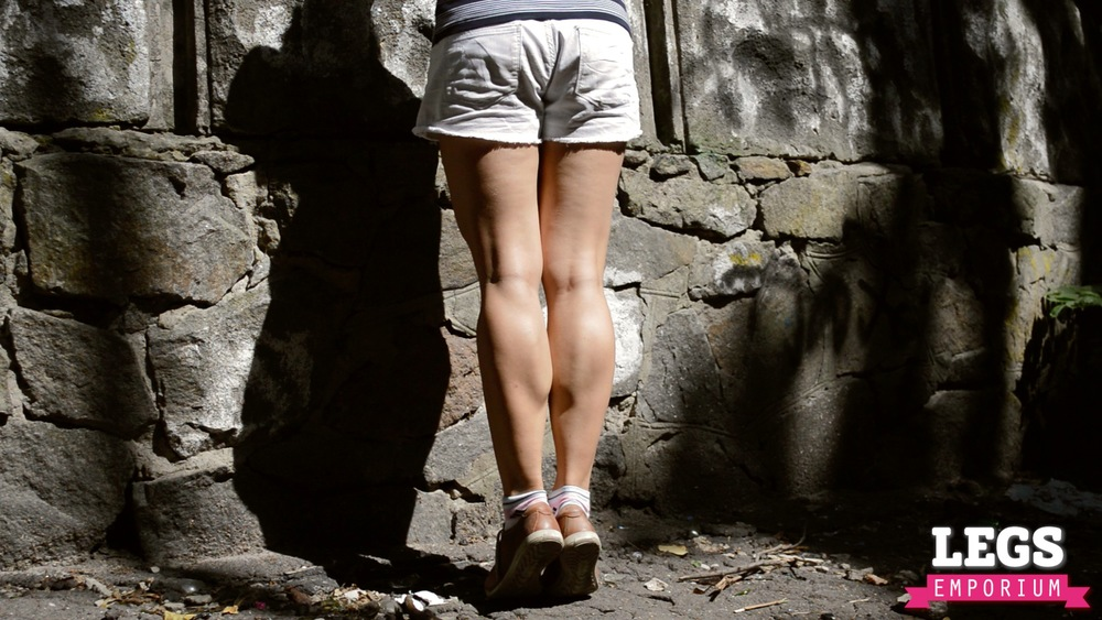 YE - Muscular Calves of a Ballerina 1 1.jpg