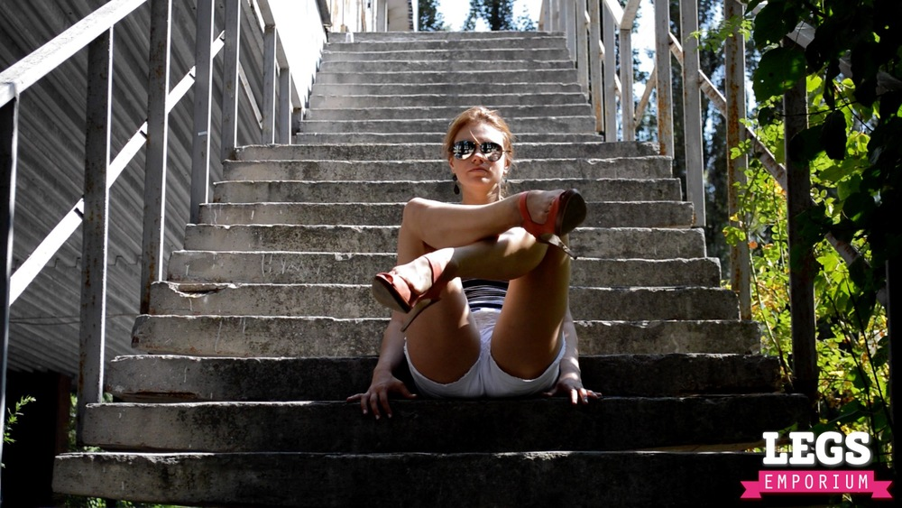 YE - Flexible and Leggy Ballerina 2 1.jpg
