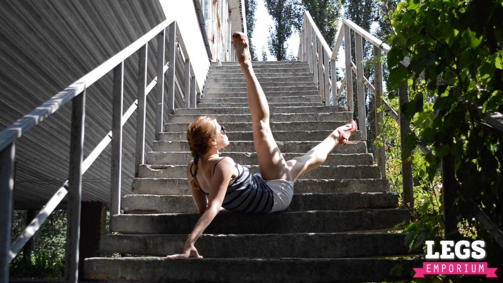 YE - Flexible and Leggy Ballerina 2 7.jpg