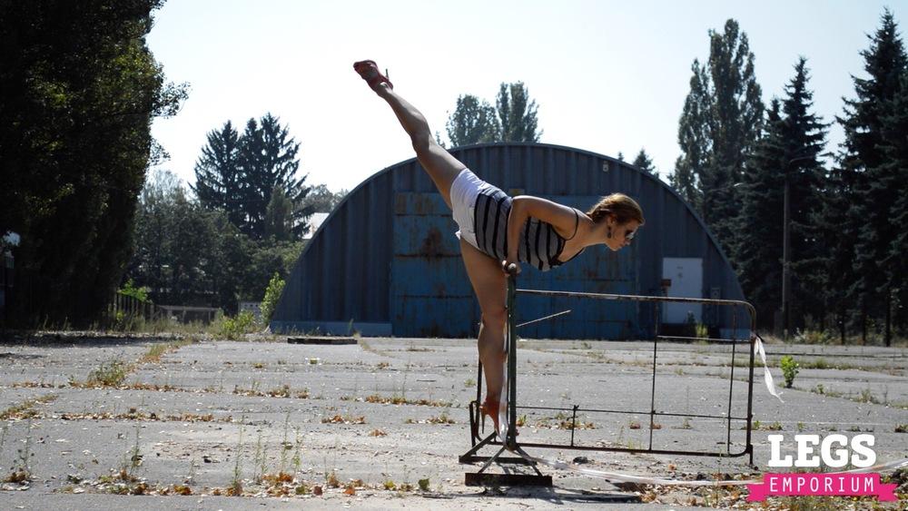 YE - Flexible and Leggy Ballerina 3 2.jpg