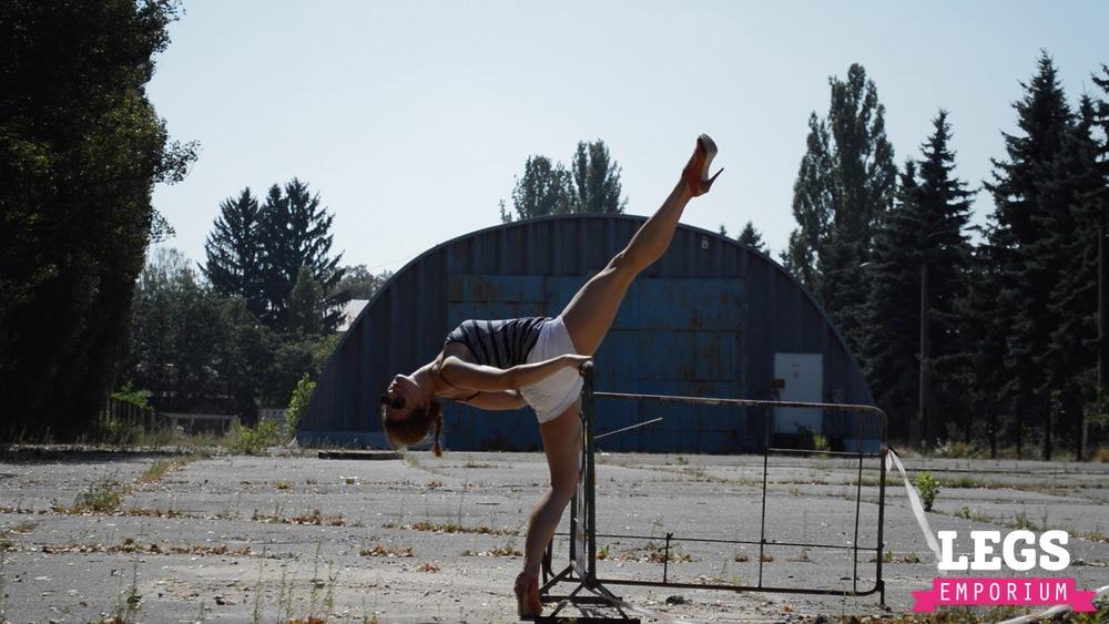 YE - Flexible and Leggy Ballerina 3 3.jpg