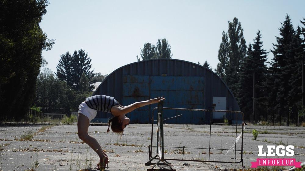 YE - Flexible and Leggy Ballerina 3 4.jpg