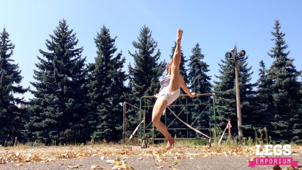 YE - Flexible and Leggy Ballerina 3 6.jpg