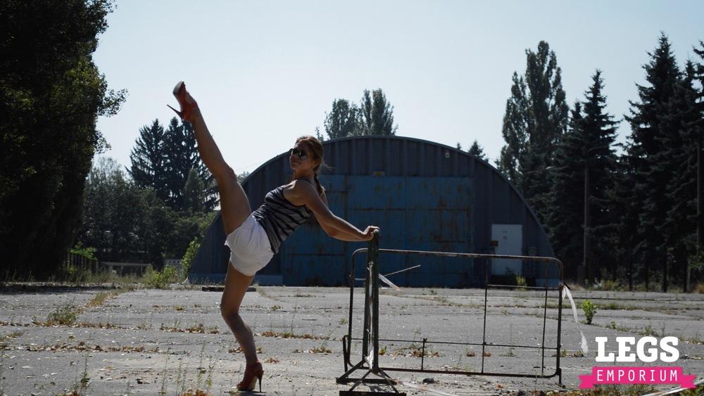 YE - Flexible and Leggy Ballerina 3 8.jpg