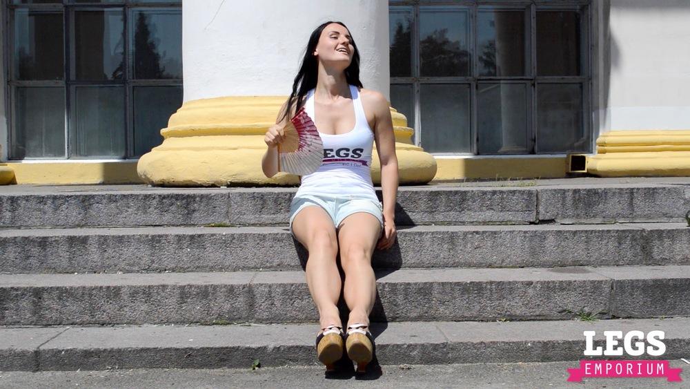 Alisa - Hot Legs in the Heat 1 2.jpg