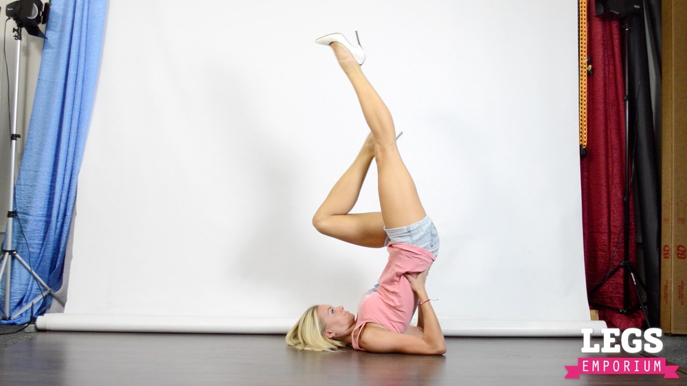Cheerleader - Flexible Blonde Bombshell 2 2.jpg