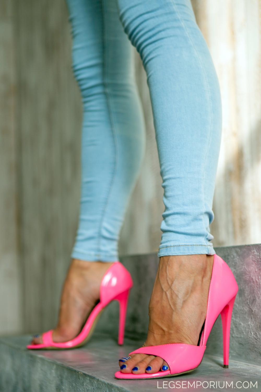 Legs_Emporium_Elena_122.jpg