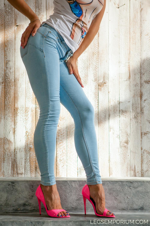 Legs_Emporium_Elena_123.jpg