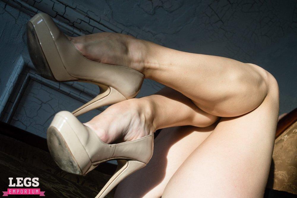 Sexy_Legs_On_Sale