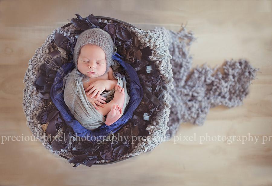 Southeast Michigan Newborn photographer Monroe MI, Precious Pixel Photography